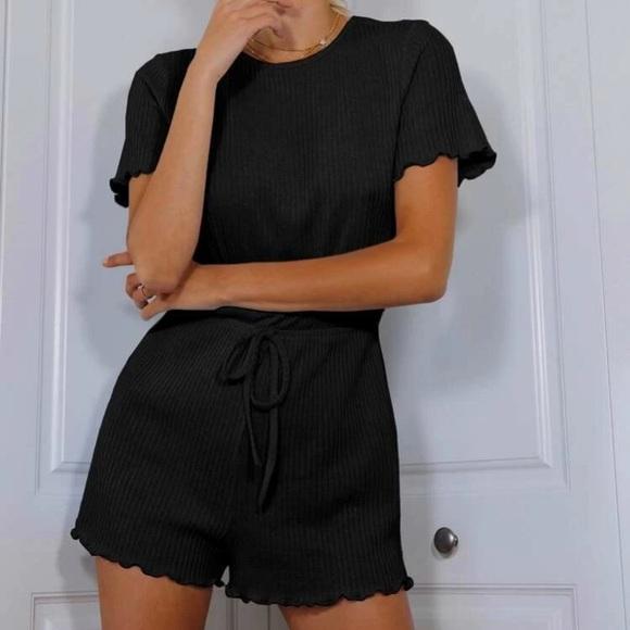 SHEIN • NWOT Keyhole Black Lettuce Rib-Knit Romper